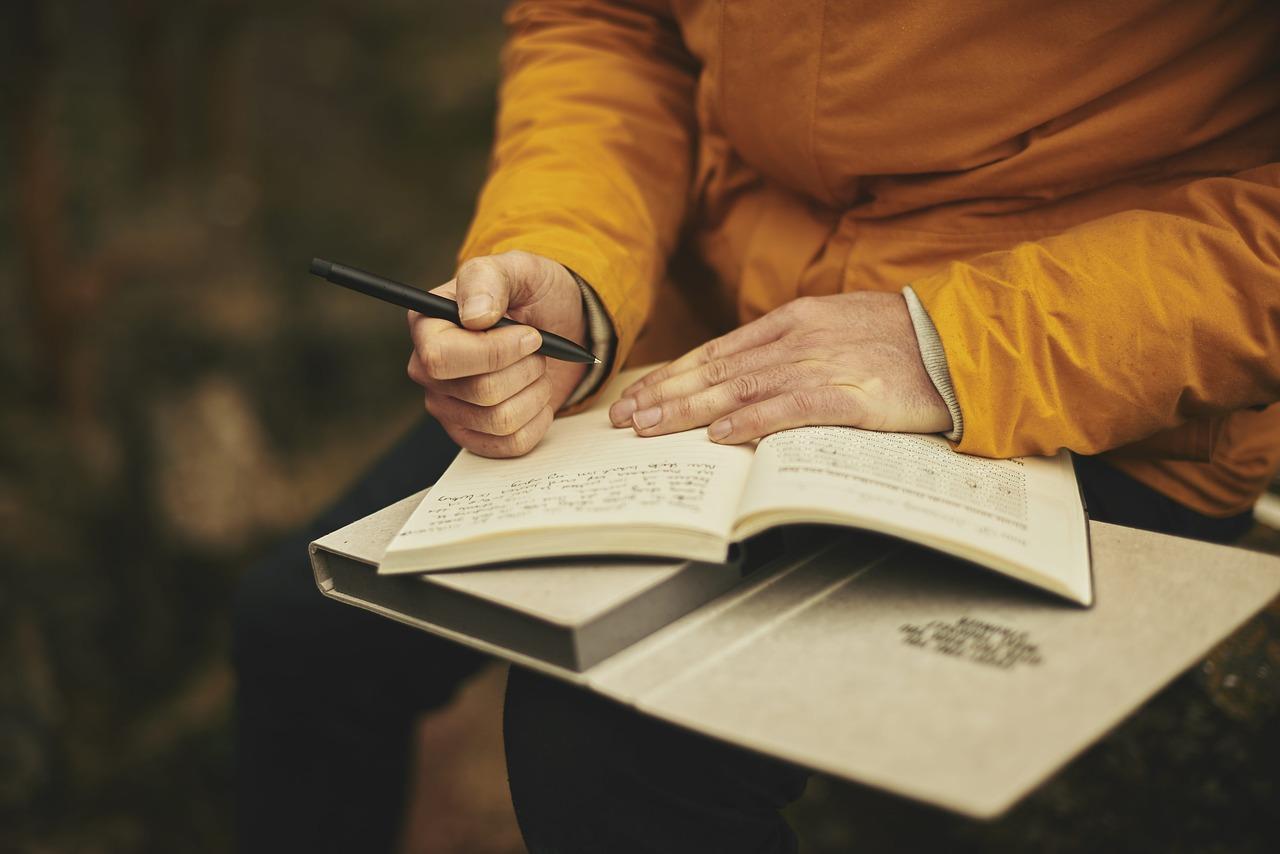 Książka – pamiętnik – dziennik z wyprawy = cegiełka dla Zuzi